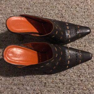 Gently worn Kenneth Cole Brown stitched heel